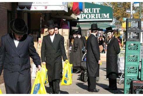 rên 1 triệu người Do ngụ tại thành phố New York là thành phố Do Thái thứ nhì trên thế giới (chỉ kém có Tel Aviv). Riêng tại quận Brooklyn, con số này là 600.000, tức ¼ dân số.