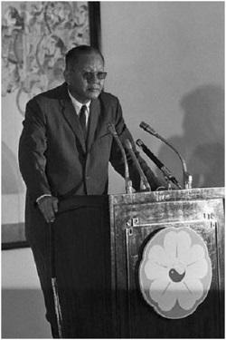 Tướng Dương Văn Minh nhậm chức tổng thống, Sài Gòn, 28 tháng Tư 1975