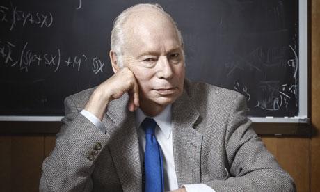 Giáo sư Steven Weinberg là nhà vật lí lí thuyết,giải Nobel vật lí năm 1979. Ông được bầu vào Viện Hàn lâm Quốc gia Hoa Kỳ về Khoa học và Hội Hoàng gia Anh, Hội Triết học Hoa Kỳ, Viện Hàn lâm Hoa kỳ về Khoa học và Nghệ thuật.