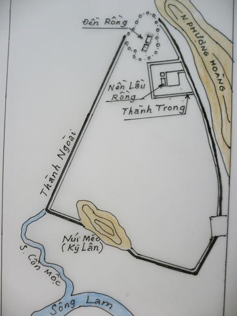 Bản đồ Phượng Hoàng Trung đô do Phan Duy Kha lập lại từ ảnh chụp trên máy bay.