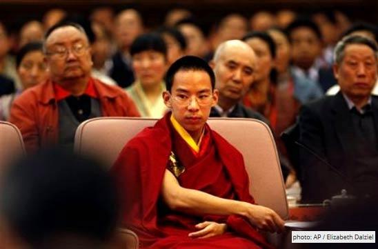 Gyaincain Norbu khi đã lớn và đã sẵn sàng cho các nhiệm vụ Bắc Kinh trao