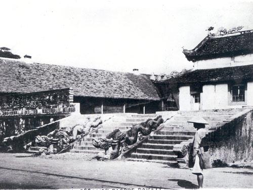 Thềm rồng lên điện Kính Thiên 1886