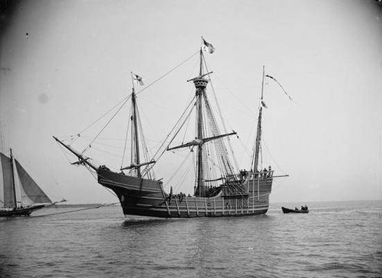 """Chiến Santa Maria (thuộc loại """"nao""""), một trong những chiếc thuyền viễn dương của Christopher Columbus"""