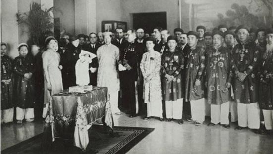 Vua Bảo Đại và hoàng tộc triều Nguyễn
