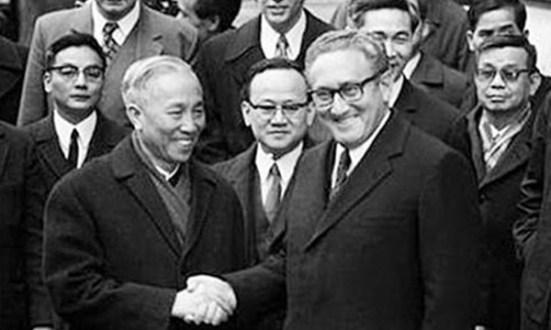 Kissinger thích cách cố vấn Lê Đức Thọ đón tiếp hơn là nội các của ông Nguyễn Văn Thiệu