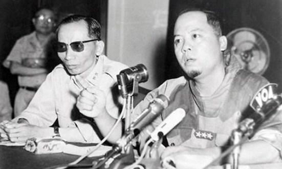 Trung tướng Nguyễn Khánh họp báo sau cuộc chỉnh lý ngày 30.1.1964