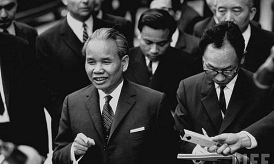 Trưởng đoàn Xuân Thủy tại cuộc hòa đàm Paris năm 1968