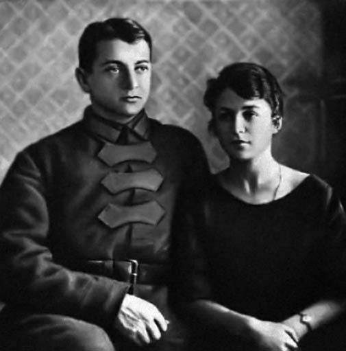 """Nguyên soái vĩ đại Mikhail Tukhachevsky (1893-1937), một trong 5 nguyên soái đầu tiên của Hồng quân Liên Xô (được tấn phong năm 1935), bị kết án tử hình với tội danh ngụy tạo """"làm gián điệp cho Đức"""" - Ảnh tư liệu"""