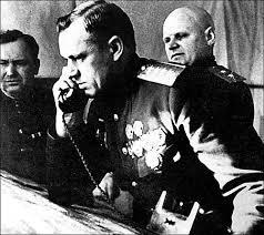 Nguyên soái Konstantin Rokossovsky (1896-1968) bị bắt năm 1937, bị tra tấn và cầm tù tới năm 1941 mới được thả. Năm 1956 được cử làm Bộ trưởng Quốc phòng Ba Lan - Ảnh tư liệu