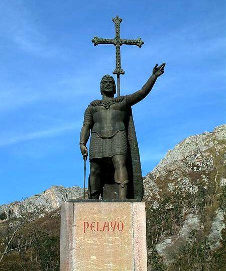 Tượng Don Pelayo ở Asturia