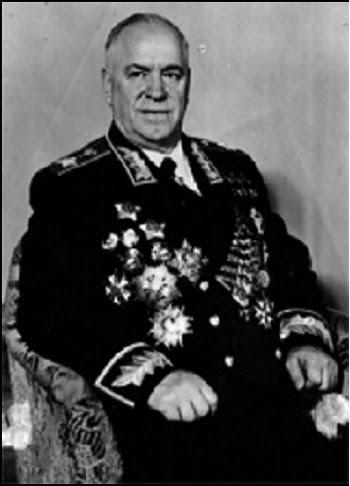 Nhà quân sự đại tài Zhukov trong bộ đại lễ phục dành cho vị nguyên soái lớn nhất của Đệ nhị Thế chiến
