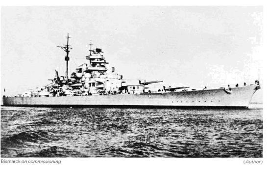 Chiếc Bismarck khi được quan sát từ chiếc Prinz Eugen khi đang thao diễn, đây là một cặp bài trùng trong việc đánh phá các thương đoàn của Đồng minh