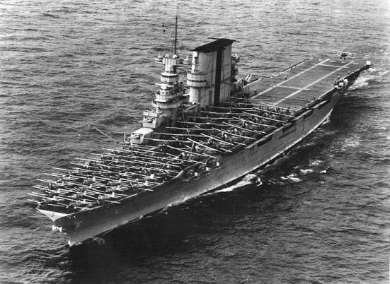 Chiếc tầu sân bay USS Saratoga năm 1935, đây là tầu sân bay Hạm đội của Hải quân Hoa kỳ