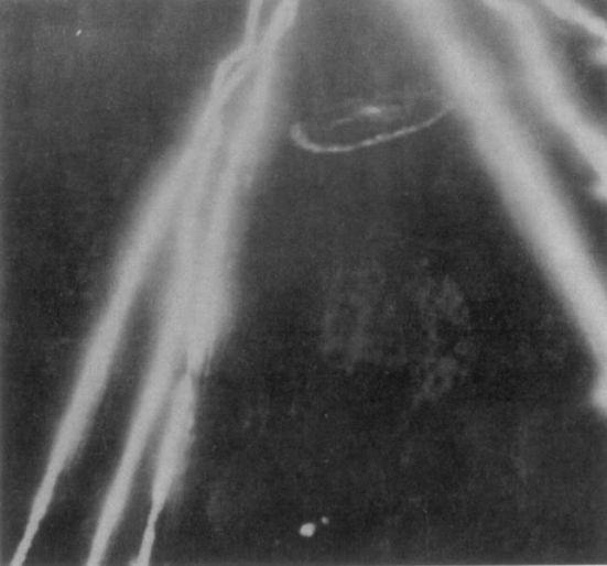 Ảnh chụp một chiếc U-Boat bị phá hủy trong sự chiếu sáng của đèn rọi Lights Leigh