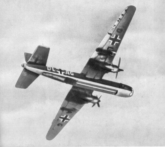 Ảnh máy bay ném bom tầm xa He 177: tính năng cơ bản: tốc độ tối đa 550 km / h ( 341,7 mph) ở 5.500 m ( 18.045 ft) và trọng tải tối đa 27.000 kg ( 59.525 £ )