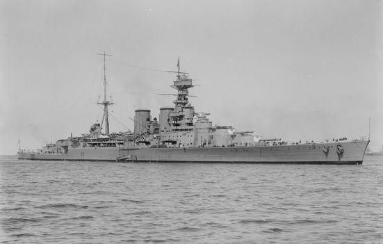 Ảnh chiếc tuần dương hạm thiết giáp, niềm tự hào hão huyền của Hải quân Anh quốc trong vòng 20 năm - HMS Hood