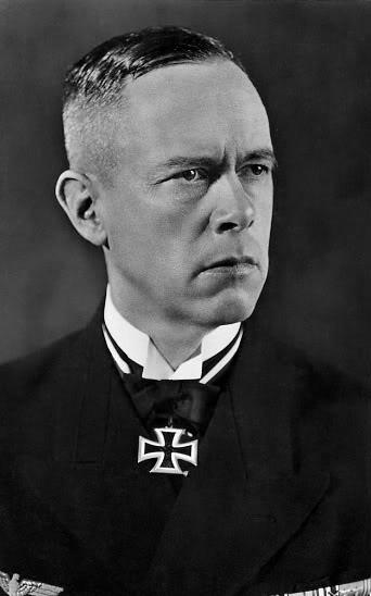 Ảnh Đô đốc Günther Lütjens (1889-> 1941) tư lệnh hạm đội Đức, người trực tiếp chỉ huy chiến dịch đánh phá tầu hàng của Đồng minh trên chiếc Bismarck, các quyết định của ông trong trận này dù đúng, dù sai ông vẫn nhận được nhiều sự kính phục và chân trọng thậm chí là từ đối phương
