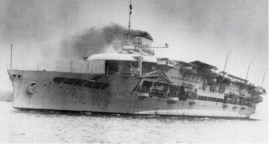 Chiếc TSB HMS Glorious, chiếc này tham gia vào giai đoạn cuối của chiến dịch Narvik, nó bị đánh chìm khi đang trên đường quay về Anh cùng 02 tầu hộ vệ, 1.500 lính thủy làm mồi cho cá biển