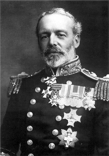 Ảnh Chuẩn Đô đốc Cradock, người đã chiến đấu theo kiểu tấn công cảm tử và anh dũng hy sinh trong trận Coronel.