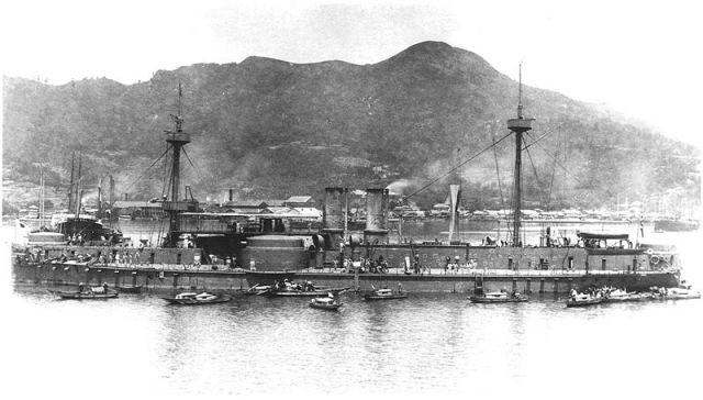 Ảnh chụp chiếc thiết giáp hạm Trấn Viễn của Hạm đội Bắc Dương