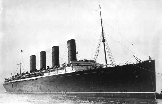 Chiếc RMS Lusitania mà việc nó bị đánh đắm bởi tầu UBoat đã làm xấu nghiêm trọng quan hệ bang giao Đức - Hoa kỳ