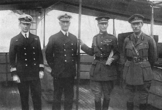 Sir Roger Keyes, Phó Đô đốc De Robeck, Sir Ian Hamilton, Tướng Braithwaite