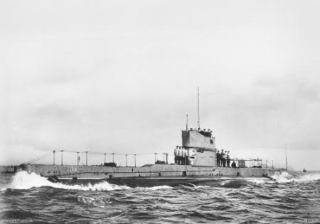 Tàu ngầm Úc chiếc AE2, chiếc này bị tiêu diệt bởi chiếc tầu phóng ngư lôi Sultanhisar của người Thổ