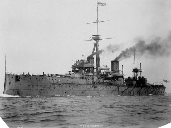 Chiếc HMS Dreadnought của Hải quân Hoàng gia Anh, chiếc Thiết giáp hạm lớp Dreadnought đầu tiên của thế giới