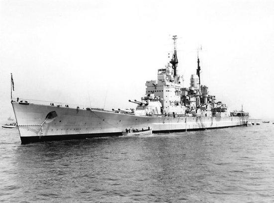 Chiêc thiết giáp hạm Vanguard, chiếc dùng những nòng dự bị của chiếc Queen Elizabet làm nòng súng chính của mình.