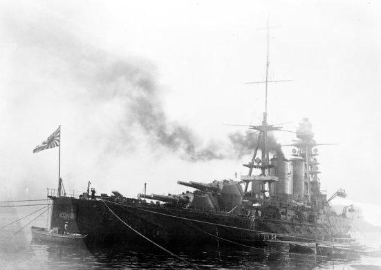 Chiêc thiết giáp hạm Nagato của Nhật Bản với các súng chính có cỡ nòng lên tới 16 in