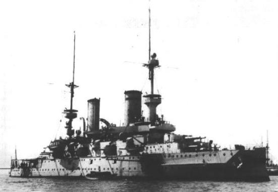 Chiếc thiết giáp hạm SMS_Kaiser_Friedrich_III của Đức, chiếc tầu đầu tiên sử dụng giáp Krupp