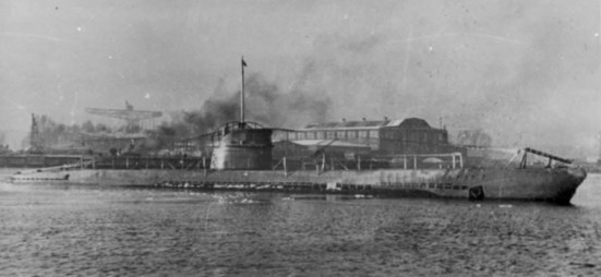 Ảnh chiếc UBoat số 151, chiếc đã từng làm loạn cả bờ biển Hoa kỳ vào năm 1918