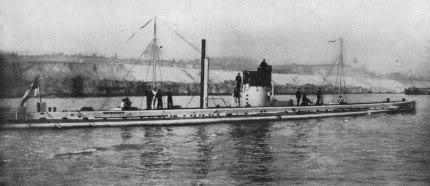 Ảnh chiếc tầu ngầm U-9 anh hùng của Hải quân Đức, chiếc đã hạ một lèo 04 chiếc tuần dưong hạm của Ạnh