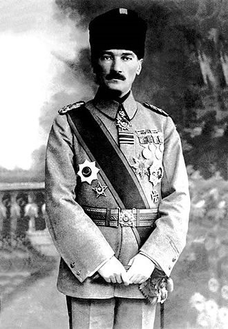 Mustafa Kemal Atatürk, lúc làm tư lệnh của Quân đội,(1918).