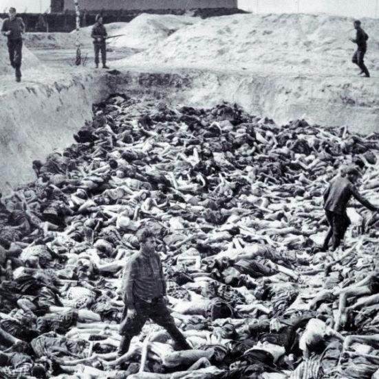 Thây người Do Thái bị giết trong một trại tập trung của Đức Quốc Xã