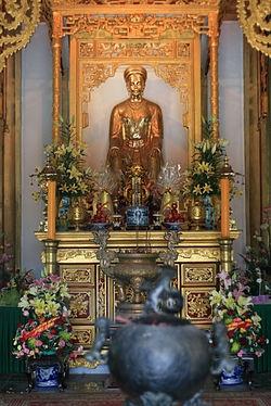 Đền thời có tượng công chúa Huyền Trân tại Huế