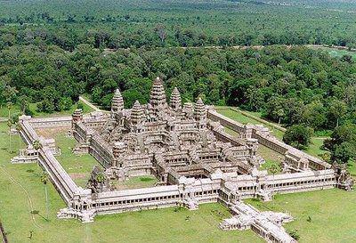 Angkor Wat chụp từ máy bay. (Shyam Tnj)