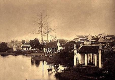 Bờ hồ Hoàn Kiếm do Tây chụp, không rõ năm.