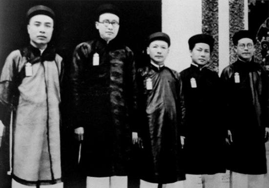 5 vị thượng thư tân học (Khải, Quỳnh, Toản, Diệm, Đoàn)