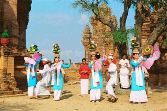cham-dance-in-po-nagar-festival-289
