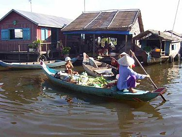 375px-vietnamese-floating-village-siem_reap_floating_village1