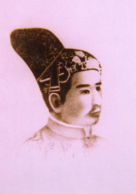vua-gia-long