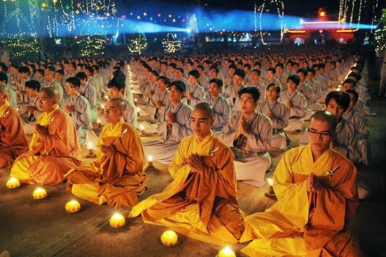 Buddhism-monks-in-Vietnam.jpg