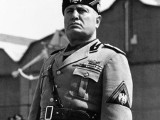 Mussolini Lãnh Tụ PhátXít