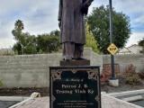 Nhân việc dựng tượng Petrus Ký ở San Jose, California, nghĩ về một bài thơcũ