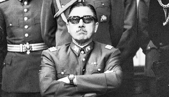 Hennie-Pinochet-main